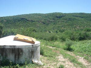 Serra do Xiquexique formada por quartzitos onde abriga inúmeras pinturas rupestres.